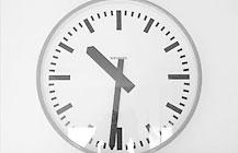 Die Menschen–Uhren werden vorgestellt